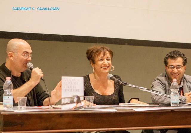 Vladimir Luxuria tra Ennio Trinelli e Giuseppe Mallozzi (Small)