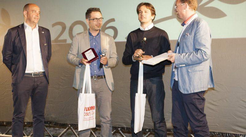 Davide Minnella riceve il premio CortoFiction Italia